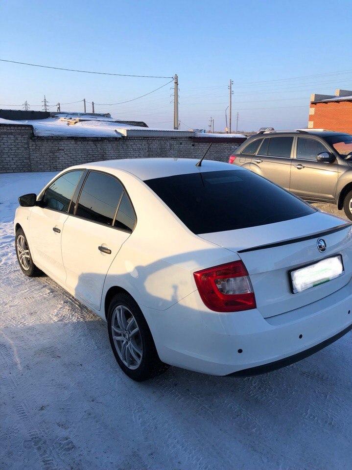 Продаю Skoda Rapid 14 год пробег 70.000 АКП 1,6