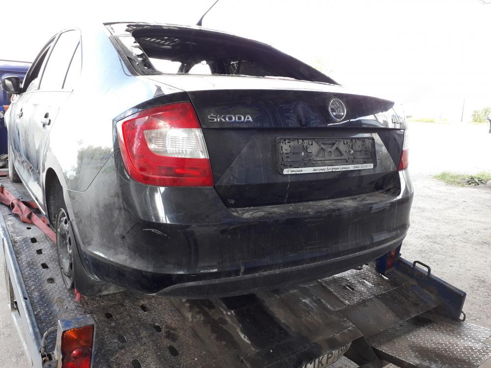 Авто шкода рапид по частям после поджога