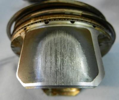 Двигатель 1,6 CFNA  – поршни под замену
